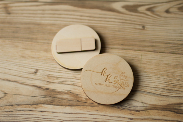 Set No.08 - USB Stick + Holzbox -